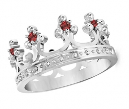 Crown ring with diamonds