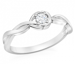 twisting engagement ring