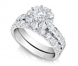 Set wedding and engagement rings