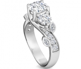 Luxurious triple ring